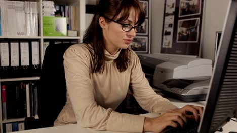 Young-Woman-Secretary-10