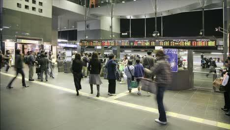 Crowds-of-people-enter-and-exit-JR-turnstiles