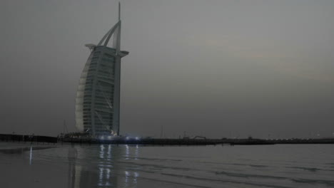 Day-turns-to-night-in-this-time-lapse-shot-of-Dubai-with-the-Burj-al-Arab-behind