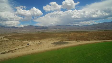 An-vista-aérea-over-farmland-in-the-owens-valley-region-of-California