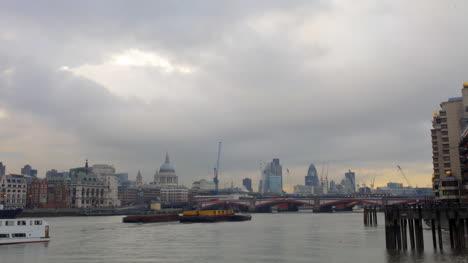 London-Pano-03