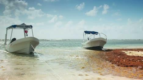Mahahual-Boats-02