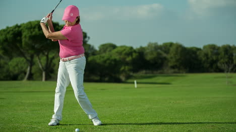 Elderly-Lady-Golf-29