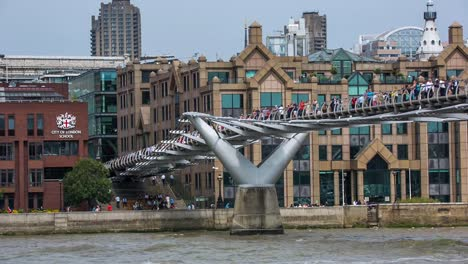 Millennium-Bridge-London-02