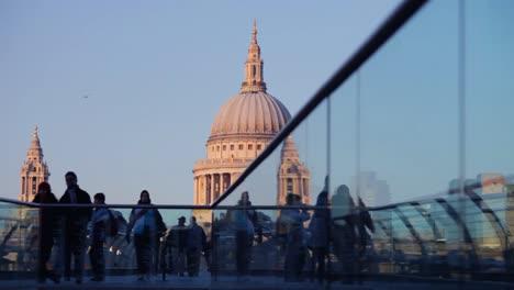 Londons-Millennium-Bridge-10