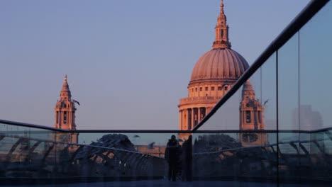 Londons-Millennium-Bridge-11