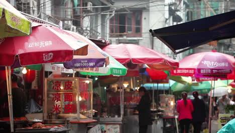 Grandes-Multitudes-Caminan-Por-Las-Calles-De-La-China-Moderna-4