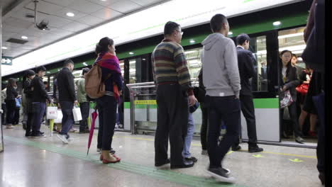 The-Shanghai-China-subway-moves-through-an-underground-station-1