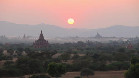 Beautiful-sunset-behind-the-temples-of-Pagan-Bagan-Burma-Myanmar
