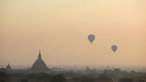 Balloons-rise-near-the-amazing-temples-of-Pagan-Bagan-Burma-Myanmar-1