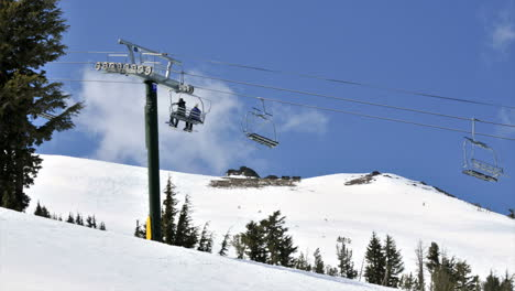 Time-lapse-of-a-chair-lift-at-a-ski-resort-1