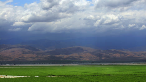 Timelapse-of-rainclouds-over-mountains