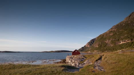 Norway-Red-House-01