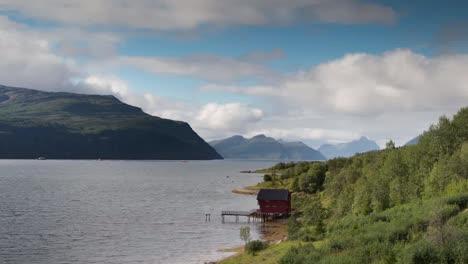 Norway-Red-Hut-01