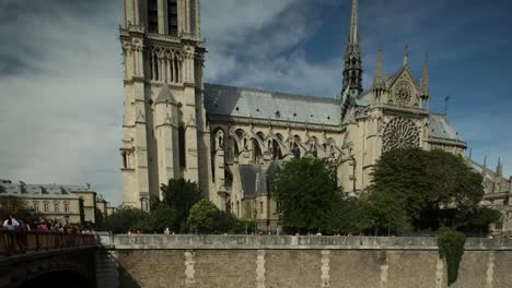 Notre-Dame-Video-00
