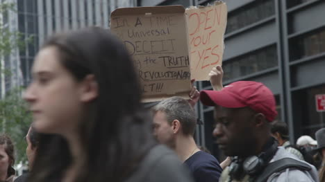 Occupy-Wall-Street-Demonstration-04
