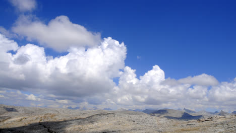 Timelapse-of-clouds-over-the-mountains-in-Sequoia-National-Forest-1