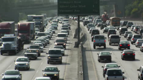 Traffic-moves-slowly-along-a-busy-freeway-in-Los-Angeles-13