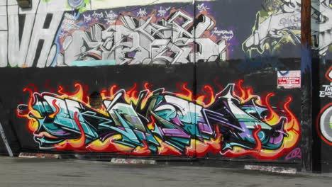 Graffiti-Decora-La-Pared-De-Un-Edificio
