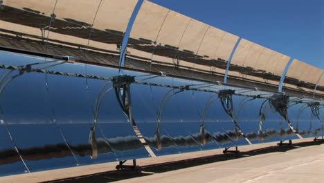 Solar-panels-reflect-in-the-sun