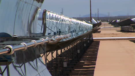 Banks-of-solar-panels-reflect-in-the-hot-sun