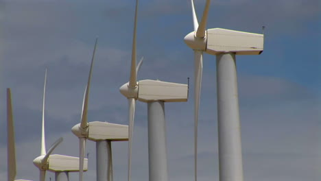 Wind-turbines-generate-electricity-3