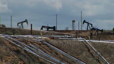 Oil-pumps-operate-in-an-oil-field