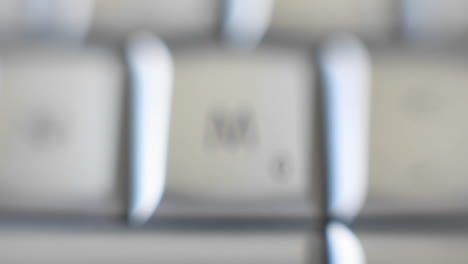 La-Letra-M-Está-En-Un-Teclado-De-Computadora