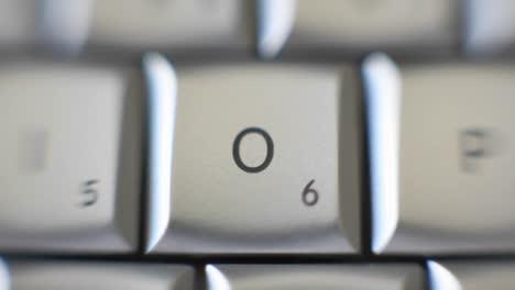 La-Letra-O-Está-En-Un-Teclado-De-Computadora