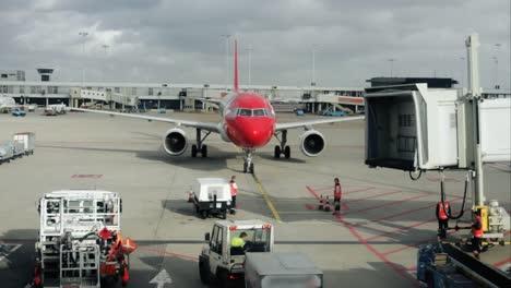 Plane-Arrival-03