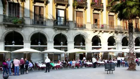 Plaza-Reial-02