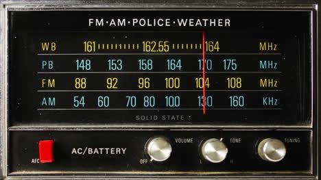 Police-Radio-00
