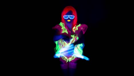 UV-Glowing-Woman-Dancer-20