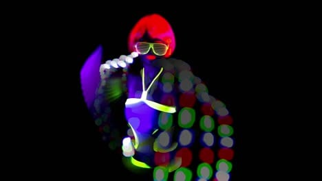 UV-Glowing-Woman-Dancer-Trail-00