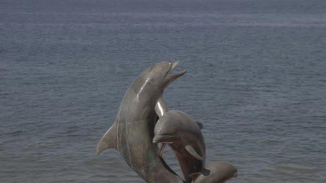 Puerto-Vallarto-Dolphin-Statue-00