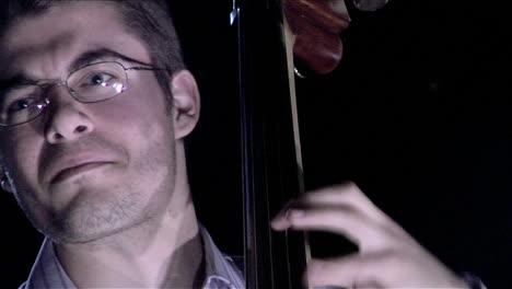 A-man-plays-the-bass-fiddle
