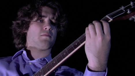 A-man-plays-the-bass-fiddle-2