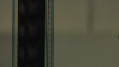 Ein-Filmstreifen-Läuft-Vertikal