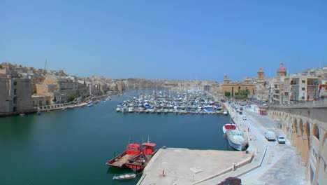 Wide-view-of-Maltas-old-city-scape-and-ships-in-the-harbor