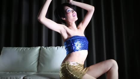 Shiny-Lady-Dances-Slowly-08