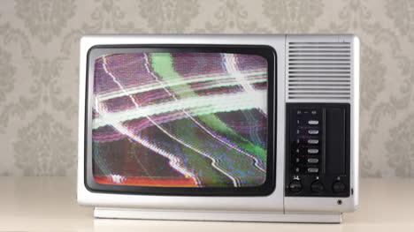 Silver-Tv-02