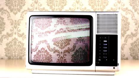 Silver-Tv-03