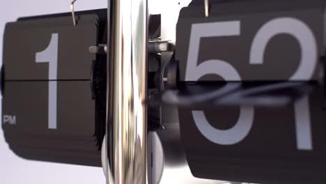Slow-Motion-Clock-00