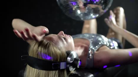 Discoball-Dancing-Lady-in-Headphones-0-76