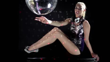 Discoball-Dancing-Lady-in-Headphones-0-95