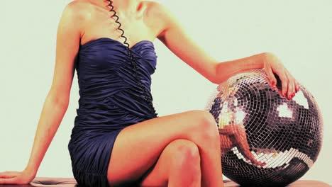 Discoball-Dancing-Lady-in-Headphones-142