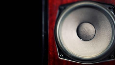 Speaker-Pan-00