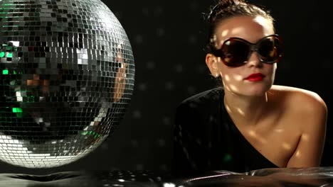Woman-at-Private-Disco-02