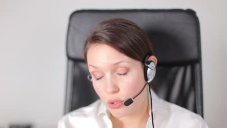 Mujer-de-negocios-estresada-40