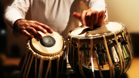 Tabla-Player-00
